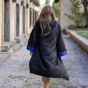 graduation-photos-walking-away